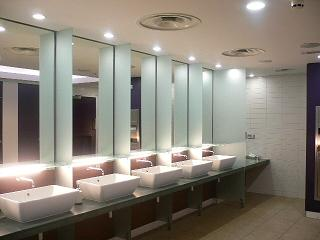 エジンバラ空港のトイレ