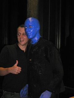 みんなと記念撮影、Blue Man