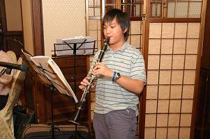 クラリネットを演奏してくれたいとこ。