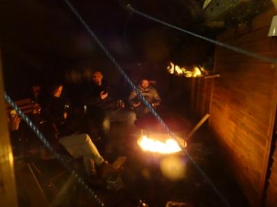 焚き火を囲んで年越しカウントダウン
