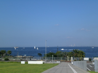 目の前は東京湾