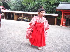 袴の由依002