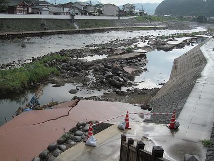 7月豪雨被害日田花月川