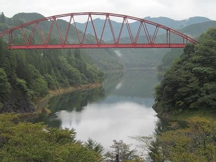 下筌ダム湖にかかる川畑橋