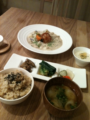 110223_eaclunch
