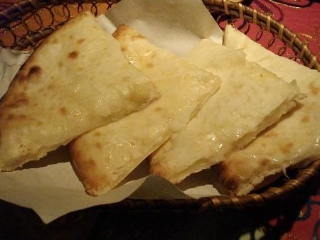 プルニマ チーズナン