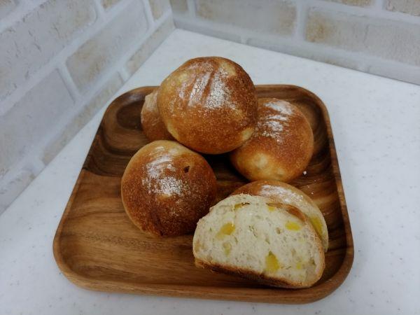夏みかんピールの丸パン
