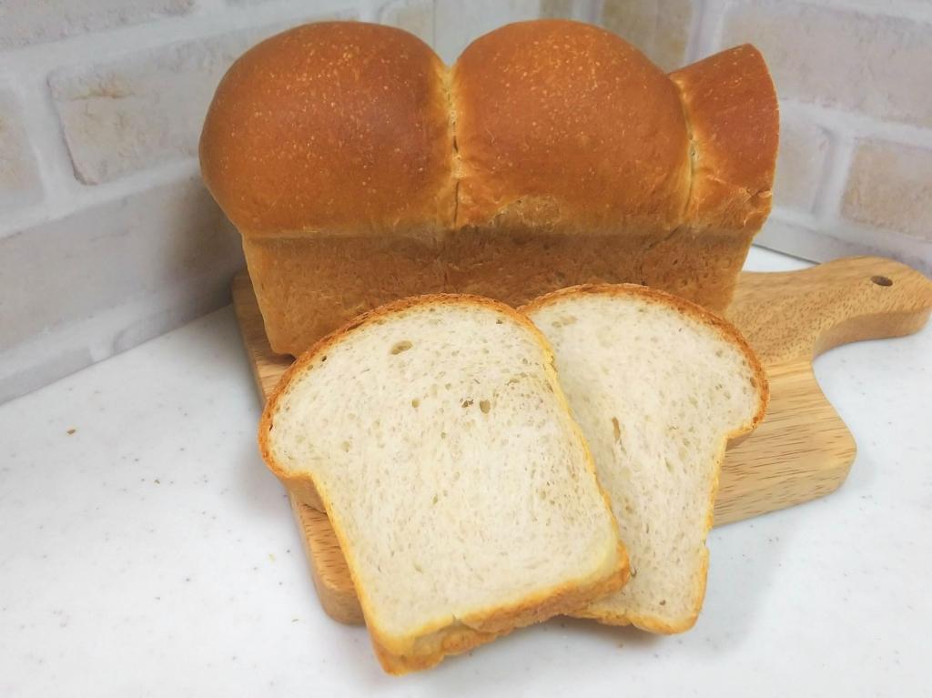 いちご酵母でパウンド型の食パン