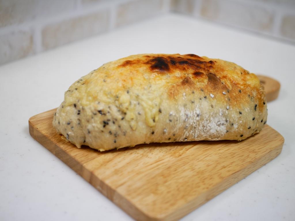 ゴマチーズドデカパン