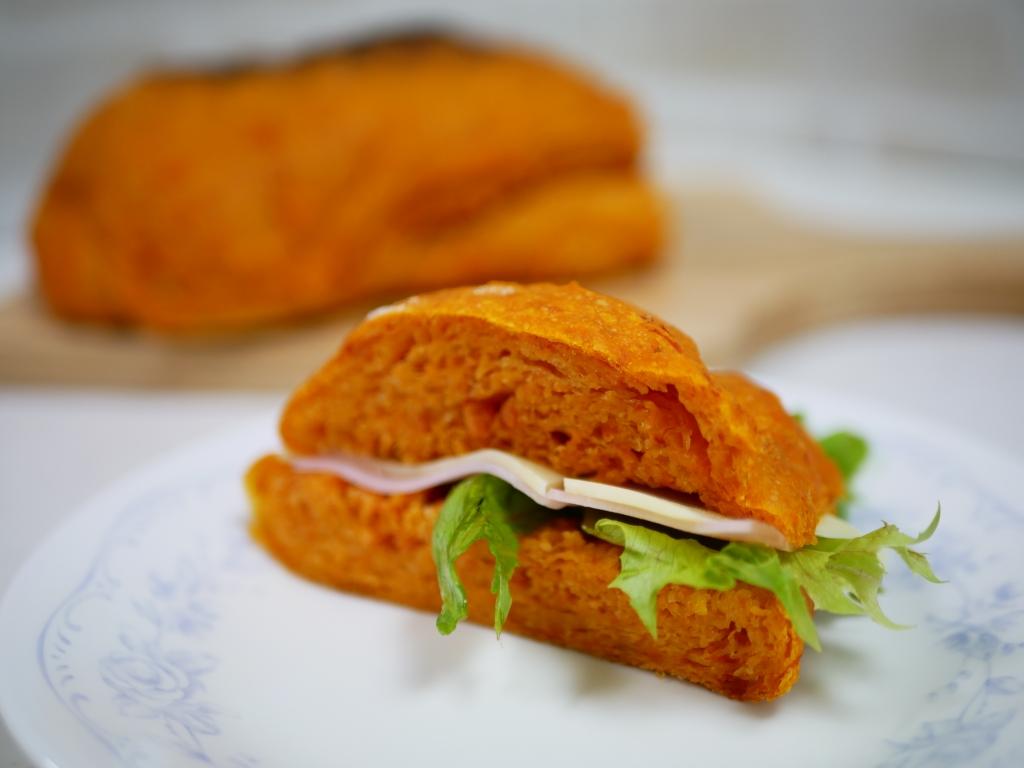 ドデカトマトパン