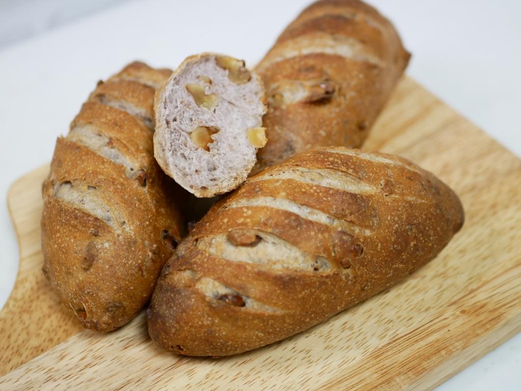 ライ麦くるみパン