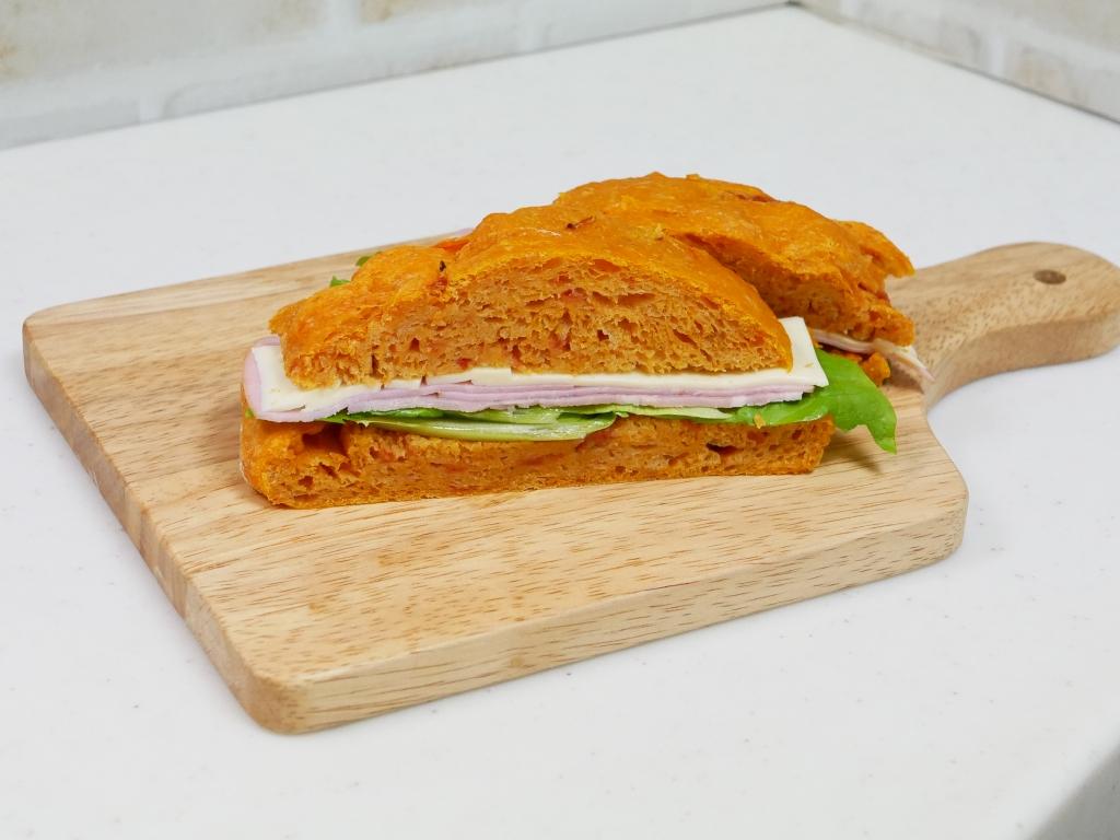 ドデカトマトサンド