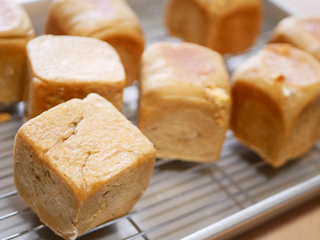20190215-003-コーヒー×ホワイトチョコのキューブパン 自家製酵母 酒粕酵母.JPG