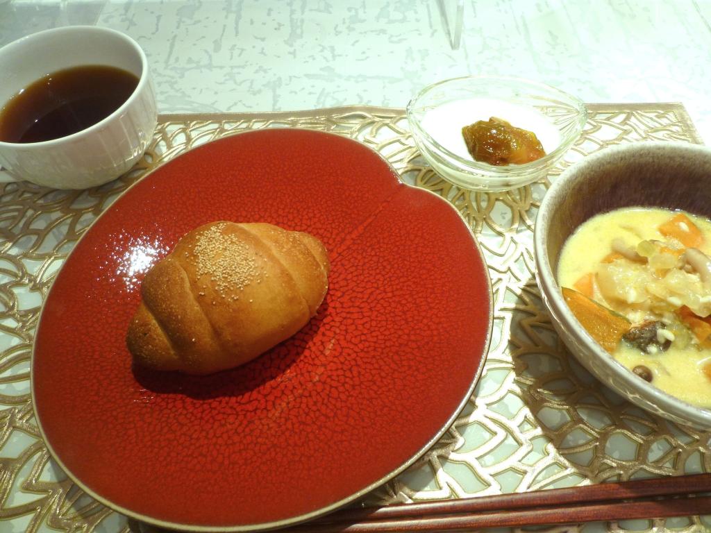 20200924-F001-味噌バターロール ドライ無花果酵母2.JPG