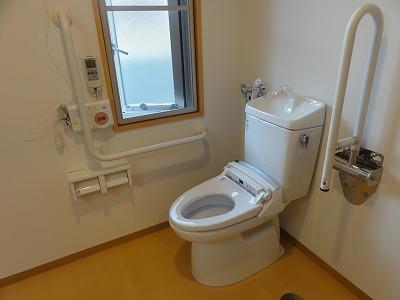 トイレ窓開口制限