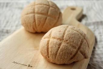 いちごメロンパン