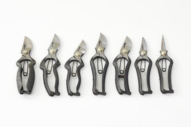 外山刃物(とやまはもの)立ちバネ式剪定鋏・芽切鋏について