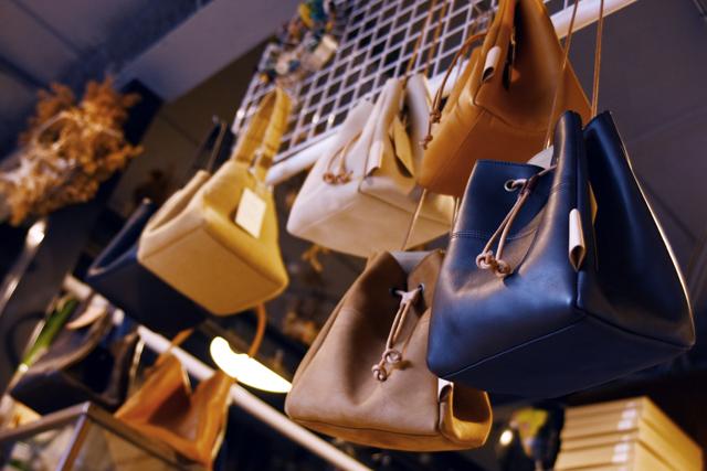 Suolo(スオーロ)Normandy POLE Leather、Nubuck