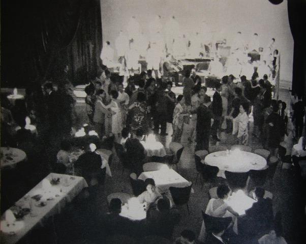 赤坂「花馬車」店内(1963年)。 赤坂の灯よいずこへ   岡田純良帝國小倉日記 岡田純良帝國小