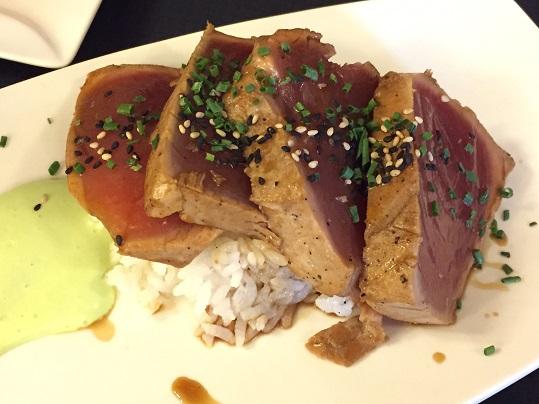 マグロ&酢飯 (掲載).jpg
