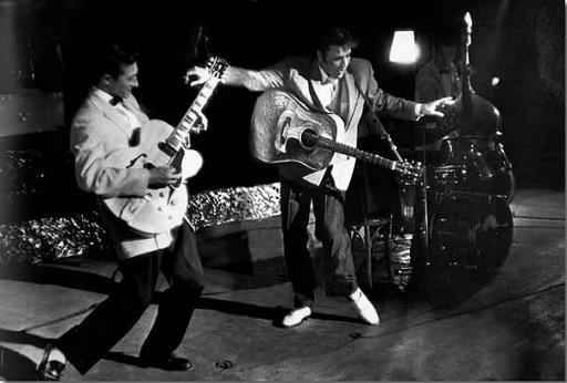Elvis Presley (1).jpg