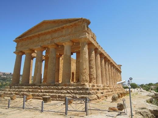 某所のギリシャ神殿.jpg
