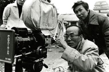 「海と毒薬」撮影現場で遠藤周作と(1986年)。.jpg