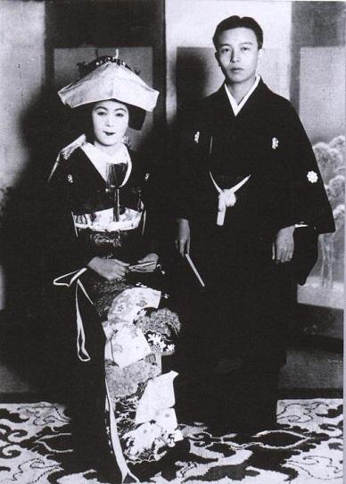 中原中也と上野孝子の結婚式写真。.jpg