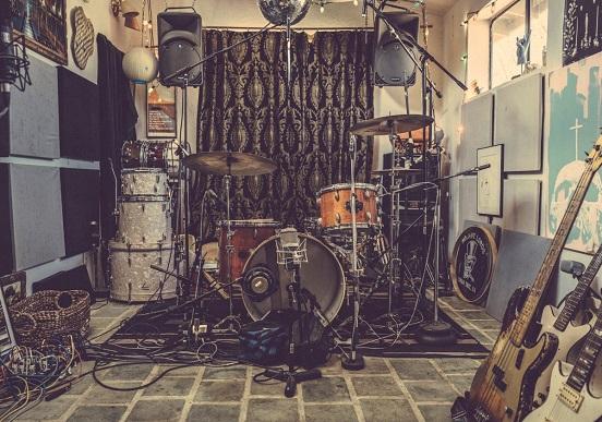 Drum kit at Rancho de la Luna (by Kim Stringfellow).jpg