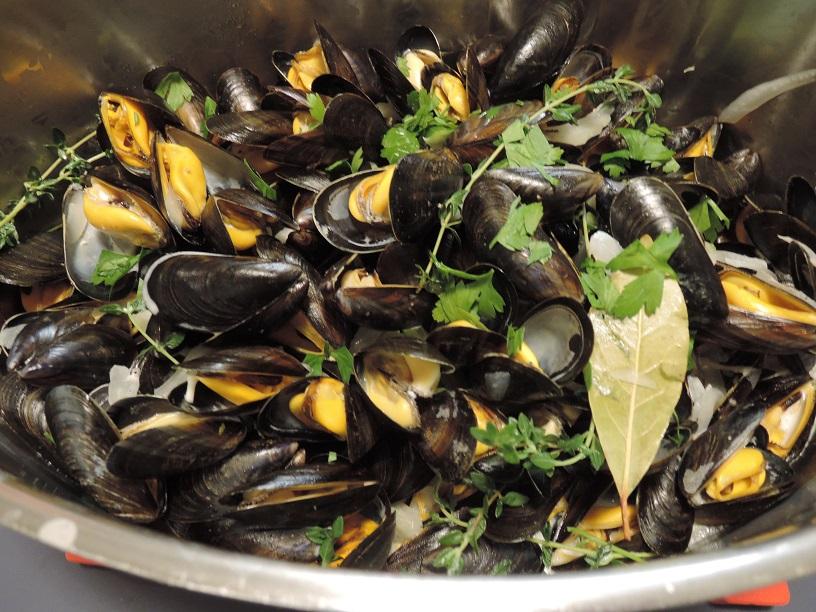 20190901 Mussels from Mont Saint-Michel! (2).JPG