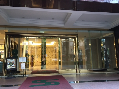 高雄ホテル入口