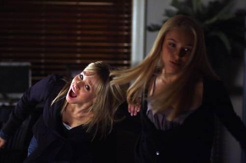 Heroes ヒーローズ3クリスティン・ベル(Kristen Bell、クリステン・ベル)とヘイデン・パネッティーア(Hayden Panettiere)