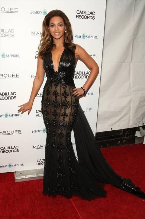 「Cadillac Records」のニューヨーク・プレミア上映会にてビヨンセのドレス姿