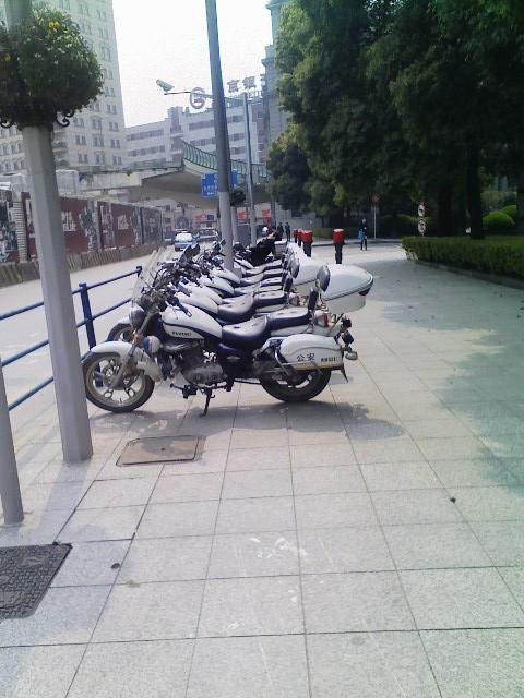 上海の白バイ