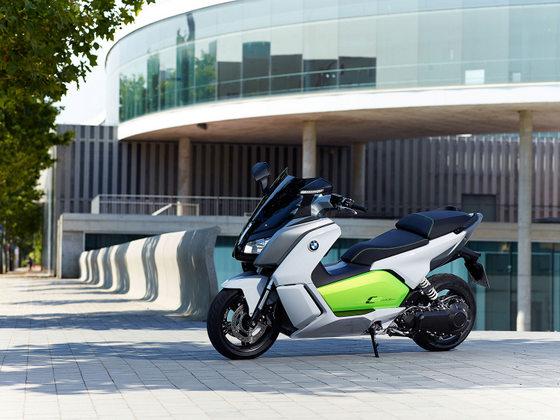 BMW 電動スクーター Cエボリューション