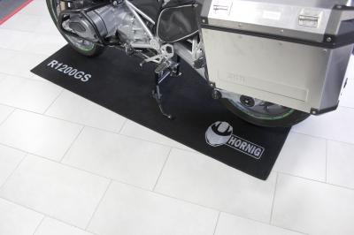 BMWバイク車名入りガレージマット