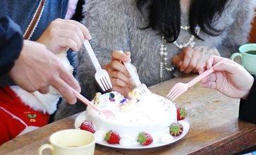 ケーキホール食い2.jpg