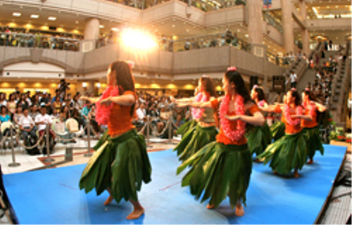 ハワイの噂・裏技・裏話_アロハヨコハマ2010の様子