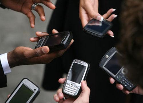 ITの噂・裏技・裏話_携帯電話満足度トップはNTTドコモ