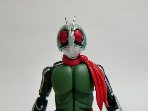 漫画・アニメ・キャラクターの噂・裏技・裏話_仮面ライダーがマフラーを巻いている理由