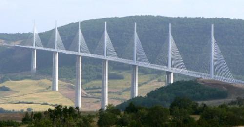 海外の噂・裏技・裏話_フランスにある世界一高い橋
