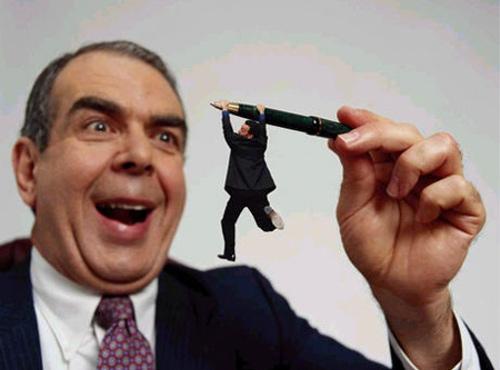 ビジネスの噂・裏技・裏話_残念な上司がいる?に85%がイエス