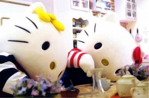 漫画・アニメ・キャラクターの噂・裏技・裏話_キティには双子の妹ミミィがいる