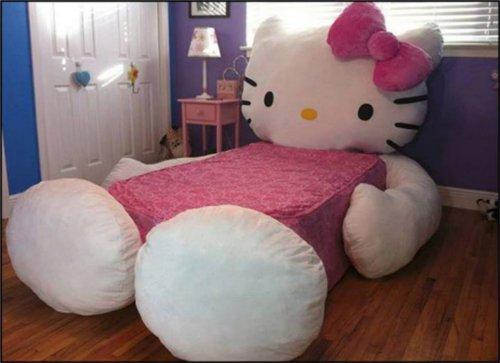 漫画・アニメ・キャラクターの噂・裏技・裏話_超巨大なキティちゃんのベッド