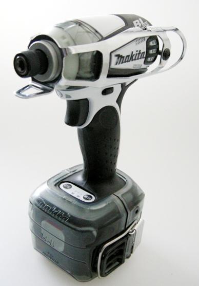 マキタ TD133に工具キャッチャーDXにバッテリプロテクタX