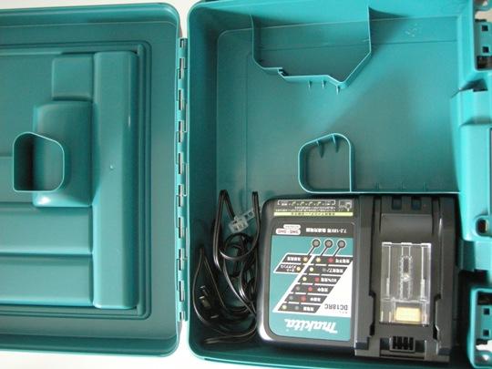 マキタ TP131/TP141用ケースと充電器DC18RC