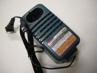 マキタ 充電器DC1251