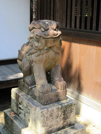 泉穴師神社