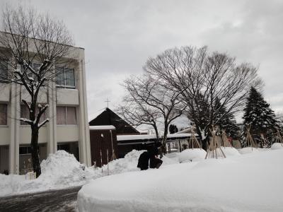 雪景色の礼拝堂