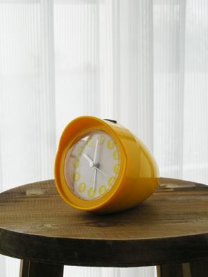 黄色の時計